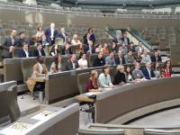 Groepsfoto: de YOUCA-jongeren in het Vlaams parlement